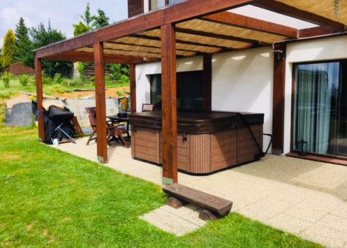 Vířivá vana Delphina na zahradu - Spa Studio