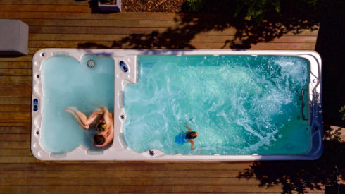 Outdoor whirlpool and swim spa by Canadian Spa International® Nautilus XL