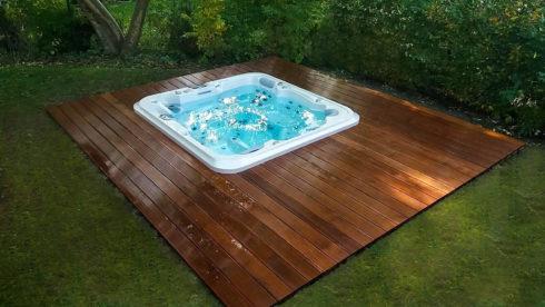 Luxusné vonkajšie vírivky na záhradu - Canadian Spa International®