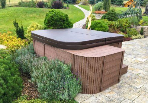 Zahradní vířivka Mandarin New od Canadian Spa International® Vířivé bazény pro celoroční provoz - Spa Studio