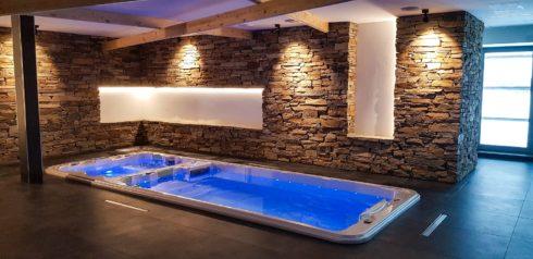 Spa Studio vířivky, swim spa a fínské sauny - Swim spa Nautilus XL od Canadian Spa International®