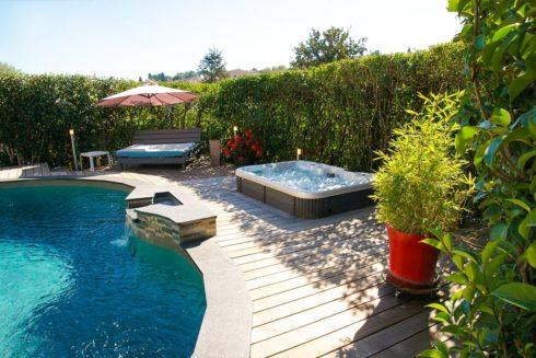 Intimní vířivá vana Corall Canadian Spa International® - vířivé bazény Spa-Studio.cz