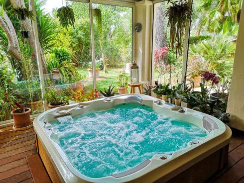 Luxusní masážní vířivé vany Spa Studio - model Nemo od Canadian Spa International®