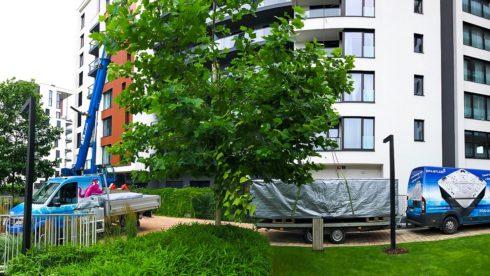 Marina Island Praha - Transport plaveckého swim spa Canadian Spa International® jeřábem na střechu