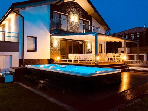 Spa Studio - vířivky, plavecké vířivé bazény a finské sauny - luxusní swim spa Nautilus XL od Canadian Spa International®
