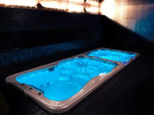 Nautilus XXXL - Kombinované zahradní swim spa s plaveckou částí s protiproudem pro nekonečné plavání a masážní částí od výrobce Canadian Spa International® - Spa-studio.cz