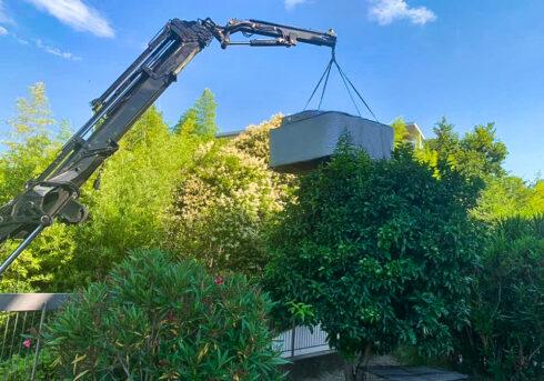 Spa Studio - doprava vířivé vany Canadian Spa International® - instalace na zahradu
