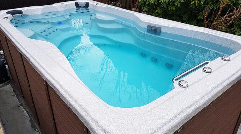 Premium whirlpools Canadian Spa International® - swim spa Mollus