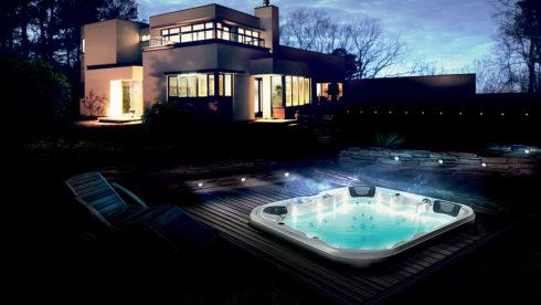 Vaše venkovní vířivka i swim spa v zapuštěné variantě kdekoliv u Vašeho domu - vířivé bazény Canadian Spa International®