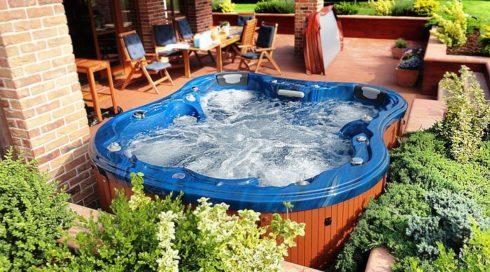 Luxusní venkovní vířivka na terasu Monodon v modré barvě - Canadian Spa International®