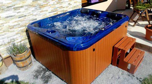 Spa Studio - masážní vířivka na zahradu Puerla - Canadian Spa International®