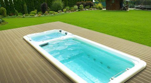 Venkovní zahradní swim spa Nautilus XXL na terase Canadian Spa International®